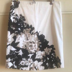 White House Black Market floral print skirt 6